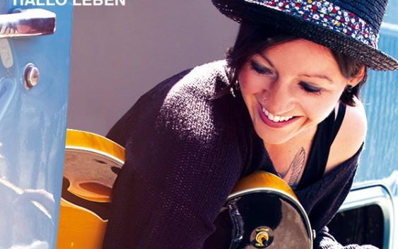 Nadine Fingerhut: Hallo Leben – Album Review