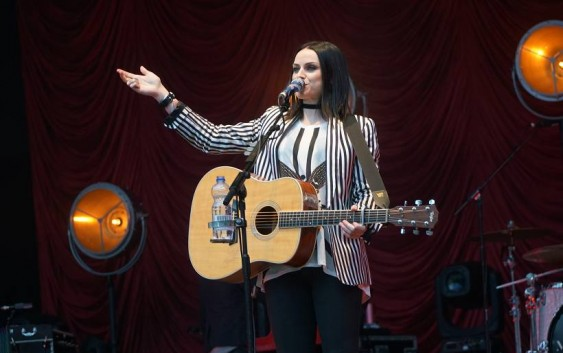 Amy Macdonald: Under Stars – Live in Berlin – Albumreview