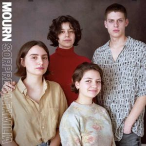 Mourn Sorpresa Familia Albumcover Captured Tracks