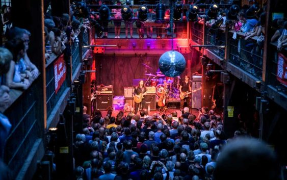 The Breeders live in Hamburg: Wenig Show, aber starke Musik