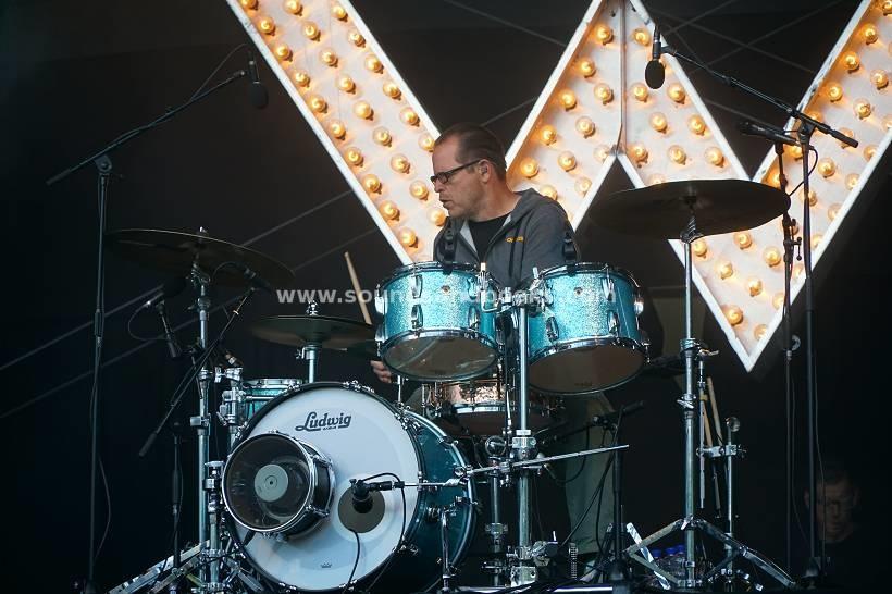 Weezer live Hamburg Stadtpark 2019 by Gérard Otremba