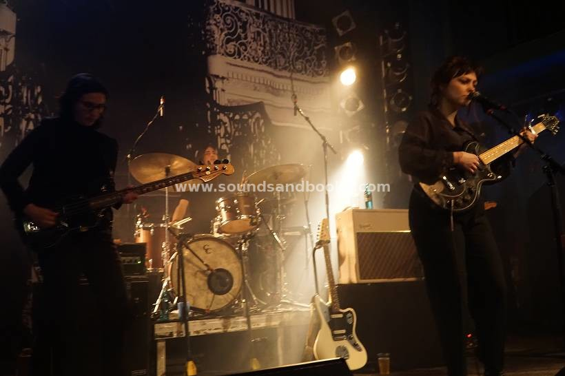 Angel Olsen live Hamburg Gruenspan 2020 by Gérard Otremba