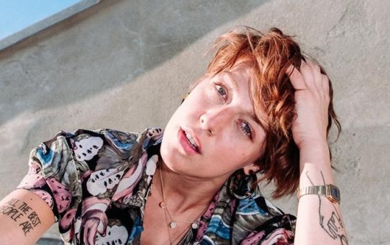 Antje Schomaker: Verschwendete Zeit – Song des Tages