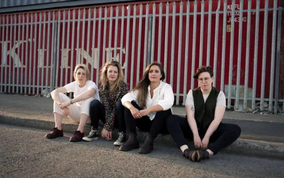 Pillow Queens: Holy Show – Song des Tages