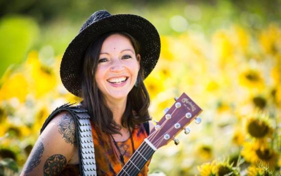 Nadine Fingerhut: Lasst die Liebe lauter werden