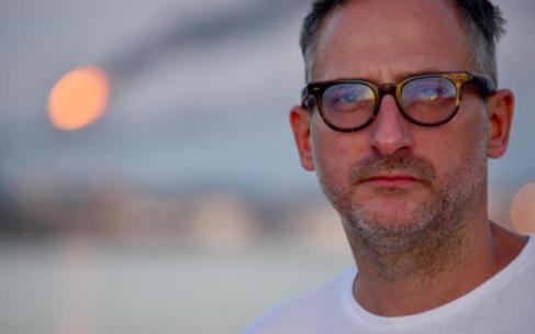 Roland Schimmelpfennig: Die Linie zwischen Tag und Nacht